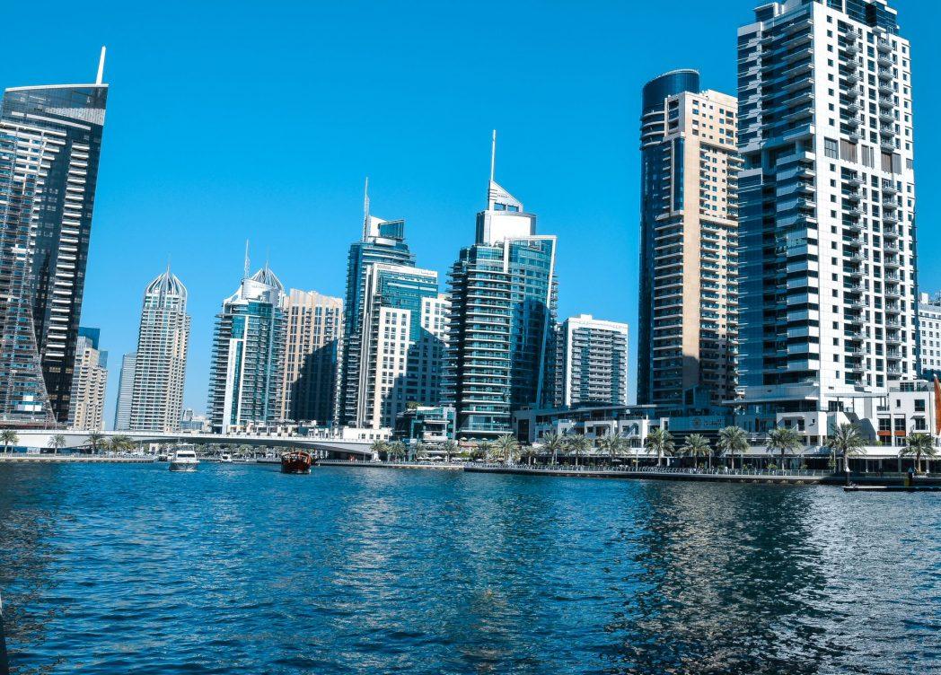 Travel to Dubai on a budget